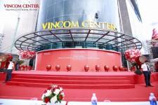 Múa trống hội khánh thành bệnh viện VinMec