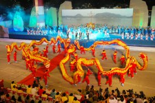 Múa rồng canaval Hạ Long 2012