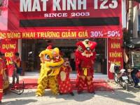Múa lân khai trương mắt kinh 123 Nguyễn Xí Q.Bình Thạnh