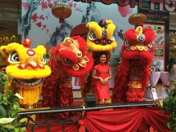 Múa lân khai trương nhà hàng Thái Sơn HONG KONG